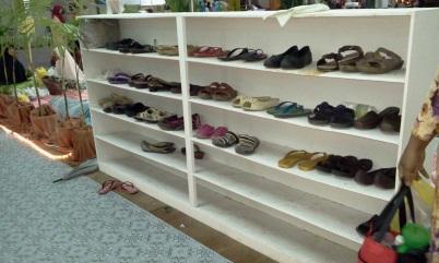 tempat letak kasut
